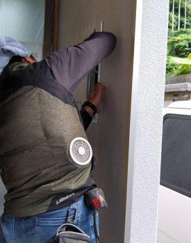 外壁穴の補修に行って参りました。