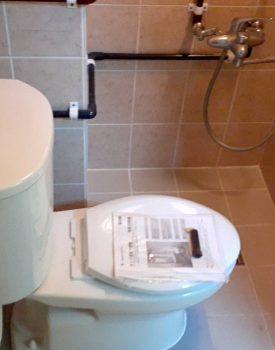 トイレ設置及び椅子造作