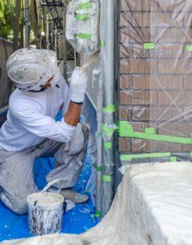 沖縄で外壁・屋根塗装に適した季節とは?塗料選びのポイントもあわせて解説