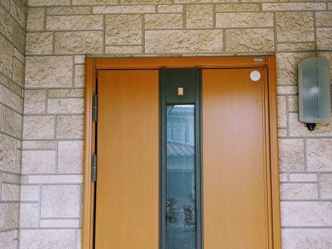 玄関照明なら壁付けのポーチライトがおすすめ!