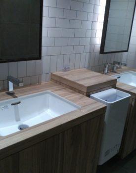 洗面所の床材の種類と選び方のポイントとは