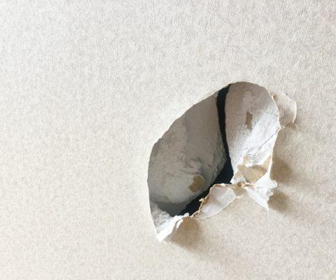 石膏ボードの壁穴を補修しよう!