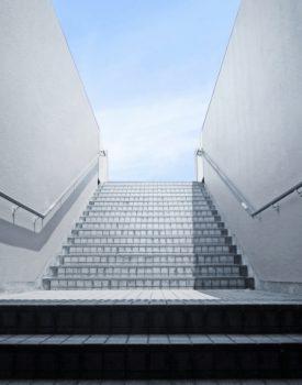 外階段に手すりを設置しよう!高さや太さの目安