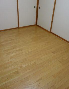 床材を張り替えるときの「張り替え工法」と「重ね張り工法」の特徴