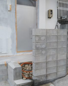 豊見城でブロック積行っております。