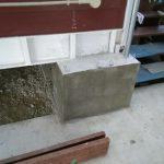 型枠にコンクリートを流し込み、固まったら型枠を取り外し、完成です。